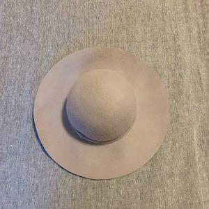 Wide Brim Hat- NWT